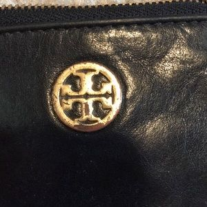 Tory Burch Other - authentic tory burch key wallet
